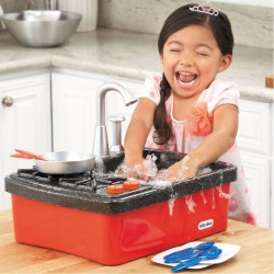 635557_kids_play_sink_xlarge.jpg